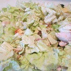 Салат с пекинской капустой и куриной грудкой с